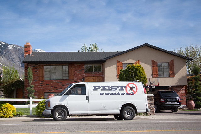 pest control in front of house